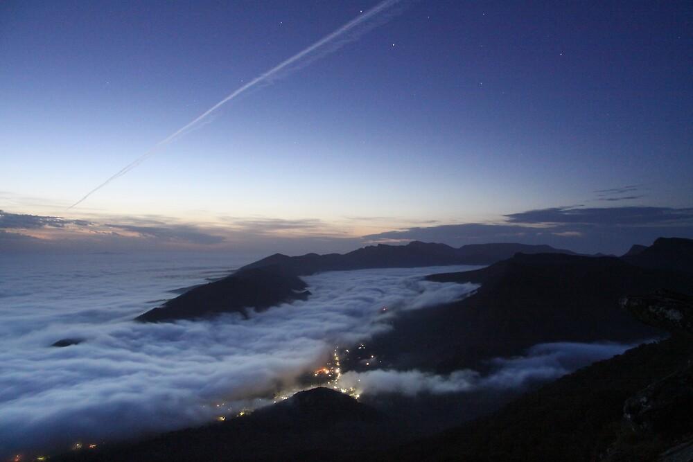 Pre - Dawn above Halls Gap by pablosvista2