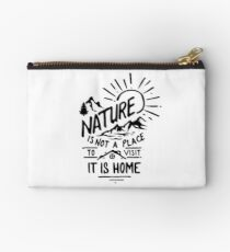 natural Studio Pouch