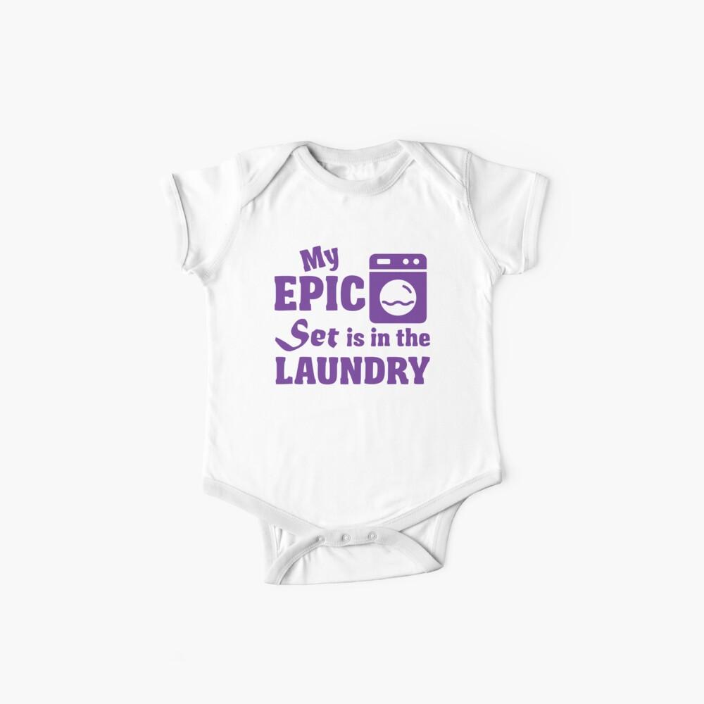 Mein episches Set ist in der Wäscherei Baby Bodys