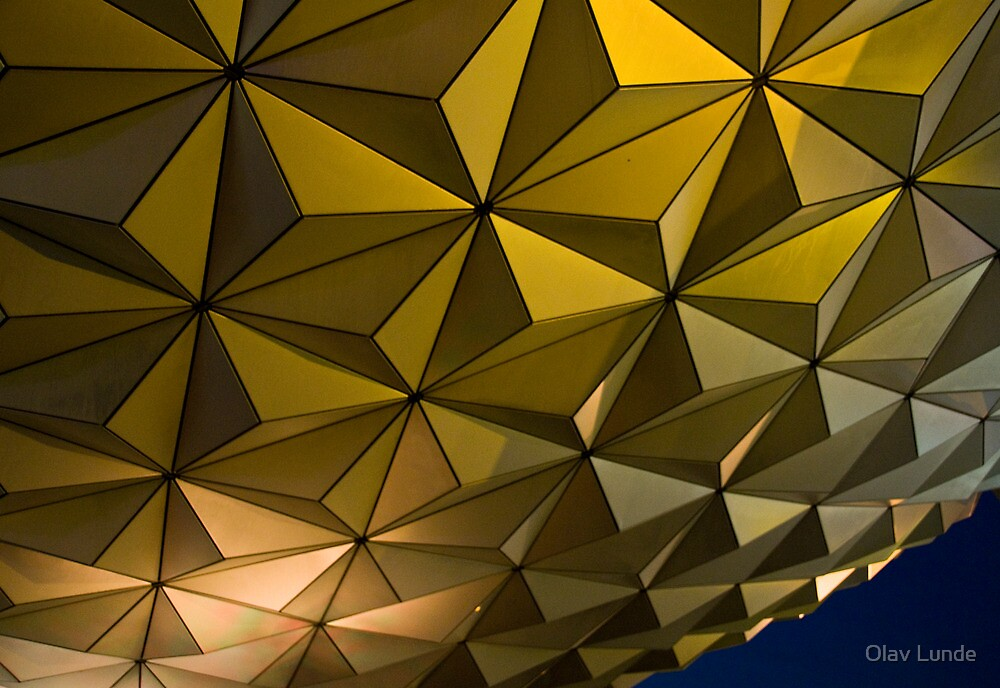 Epcot by Olav Lunde