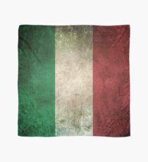Old and Worn Distressed Vintage Flag of Italy Scarf