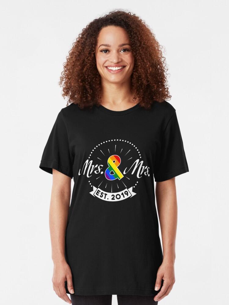 Alternative Ansicht von Mrs. & Mrs. est. 2019 - LGBT Pride Month Gift Slim Fit T-Shirt