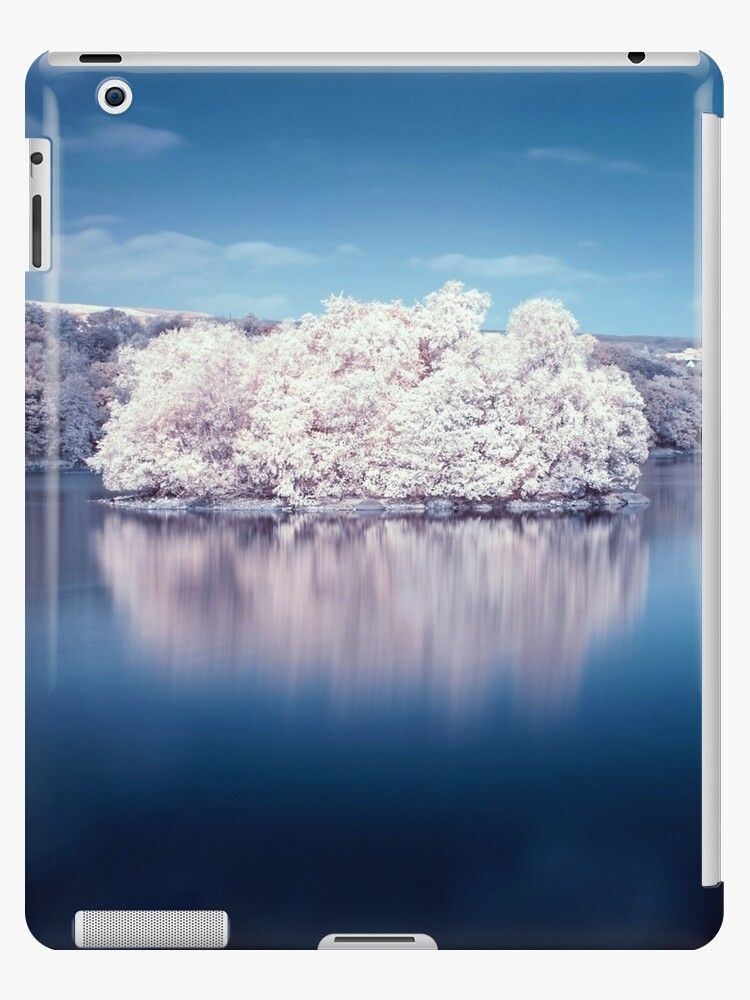 Speirs Island Infrared by Cat Perkinton