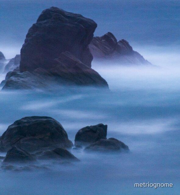 Wraiths Of Evening Rising by metriognome