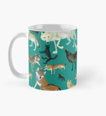 Wolves of the World (Green pattern) Taza clásica