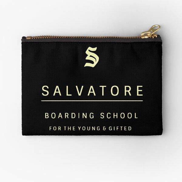 El internado de Salvatore para jóvenes y superdotados Bolsos de mano