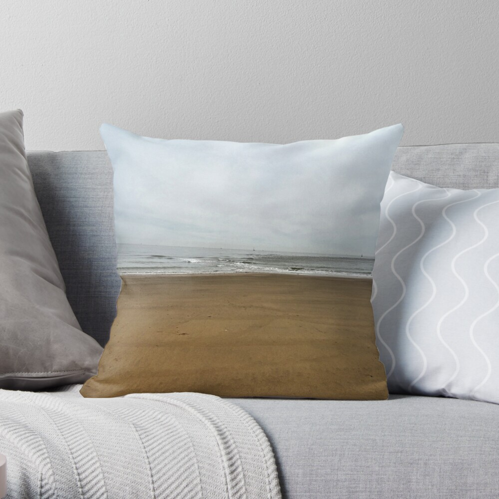 Morning sands Throw Pillow