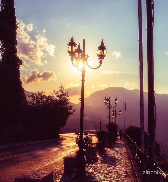 Sunset Alley by zinchik