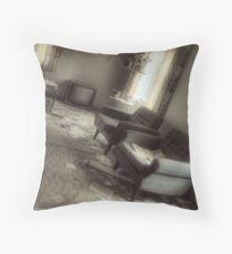 17.11.2009: Ghostlike Silence Throw Pillow