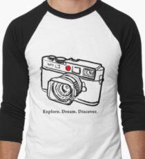 Leica M9 red dot rangefinder camera Men's Baseball ¾ T-Shirt