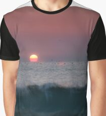 Waves and sun Graphic T-Shirt