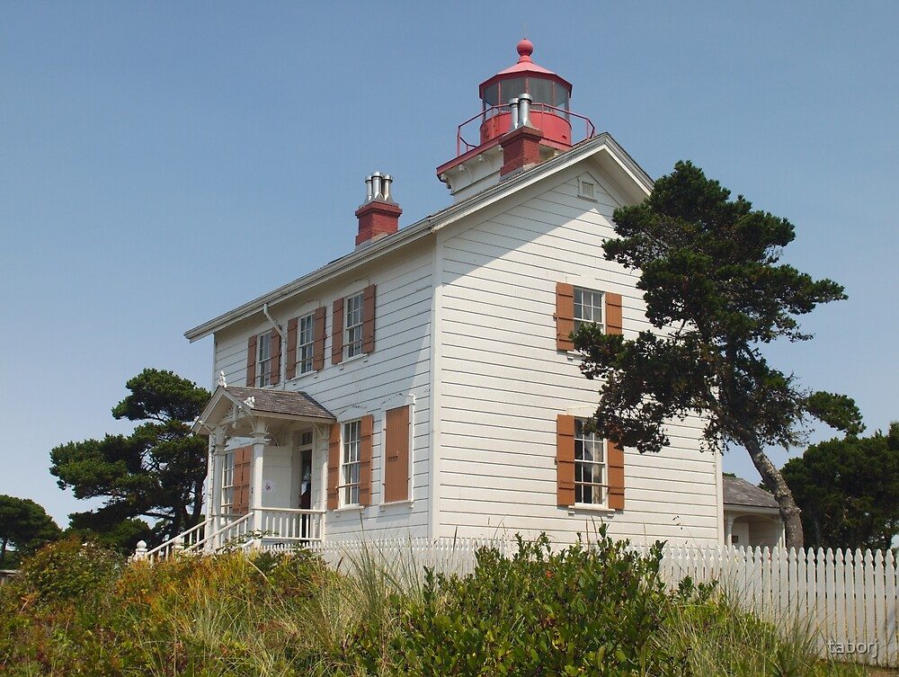 Yaquina Bay Lighthouse, Newport, OR by taborj