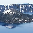 Crater Lake in Oregon by Melanie Roelofs