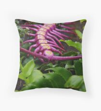 Alien 02 Throw Pillow