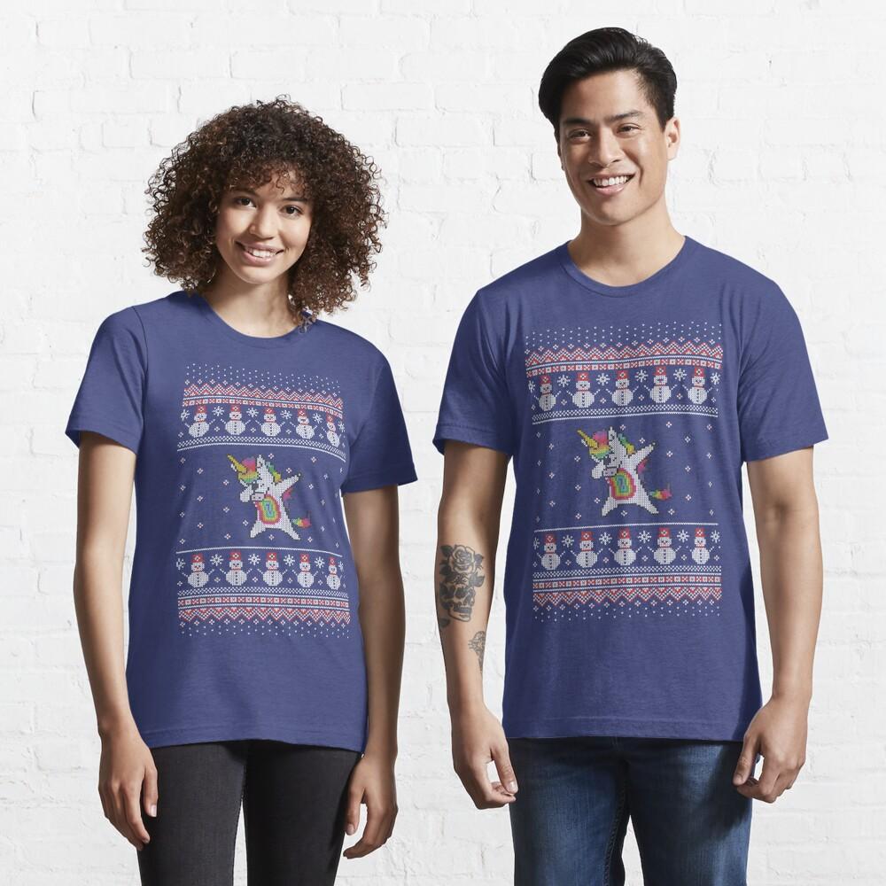 Unicorn celebrating for Christmas Camiseta esencial