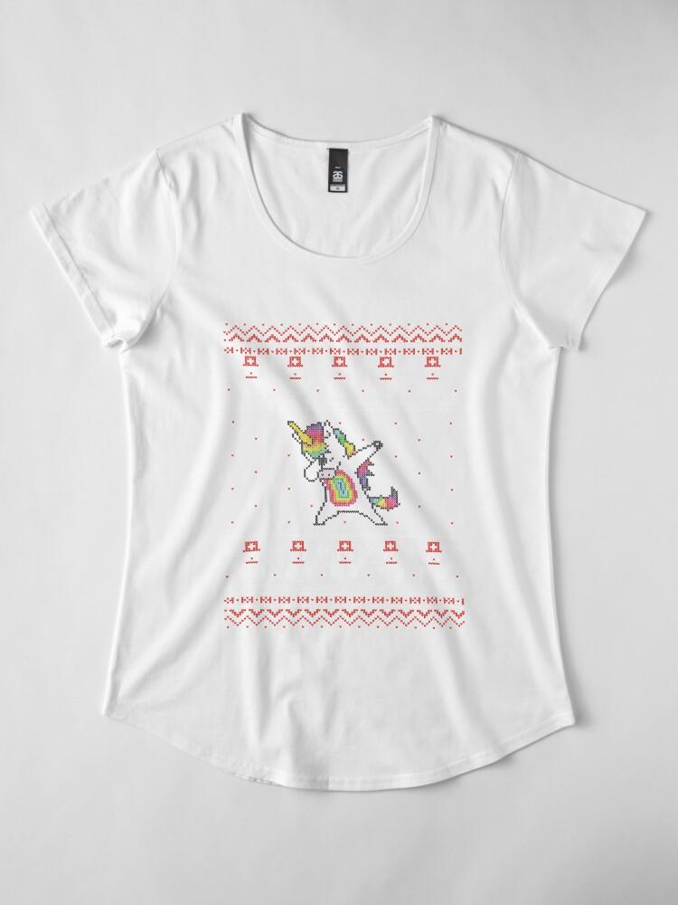 Vista alternativa de Camiseta premium de cuello ancho Unicorn celebrating for Christmas
