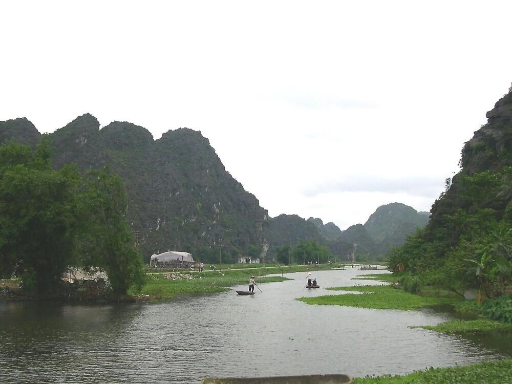 a stunning Vietnam landscape by beautifulscenes