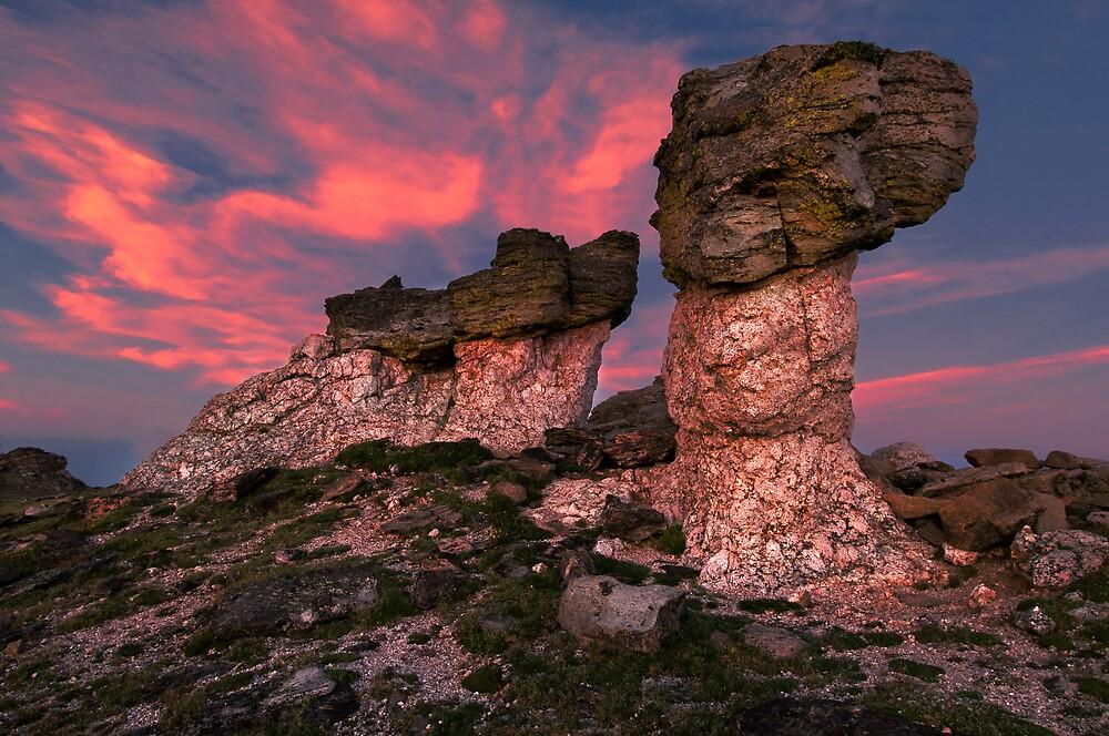 Mushroom Rock Sunset by joerossbach
