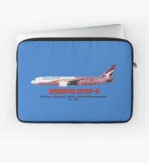 "Boeing B787-9 - Qantas Airways ""Emily Kame Kngwarreye"" Laptop Sleeve"