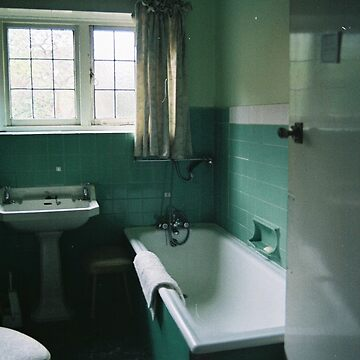 Vintage Bathroom by CapnAlfie