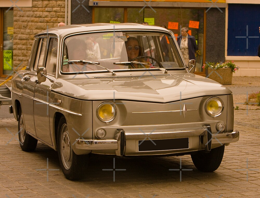 Renault R 8 - Vintage French Car by Buckwhite