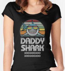 Daddy Shark Retro - Für dunklen Druck Tailliertes Rundhals-Shirt