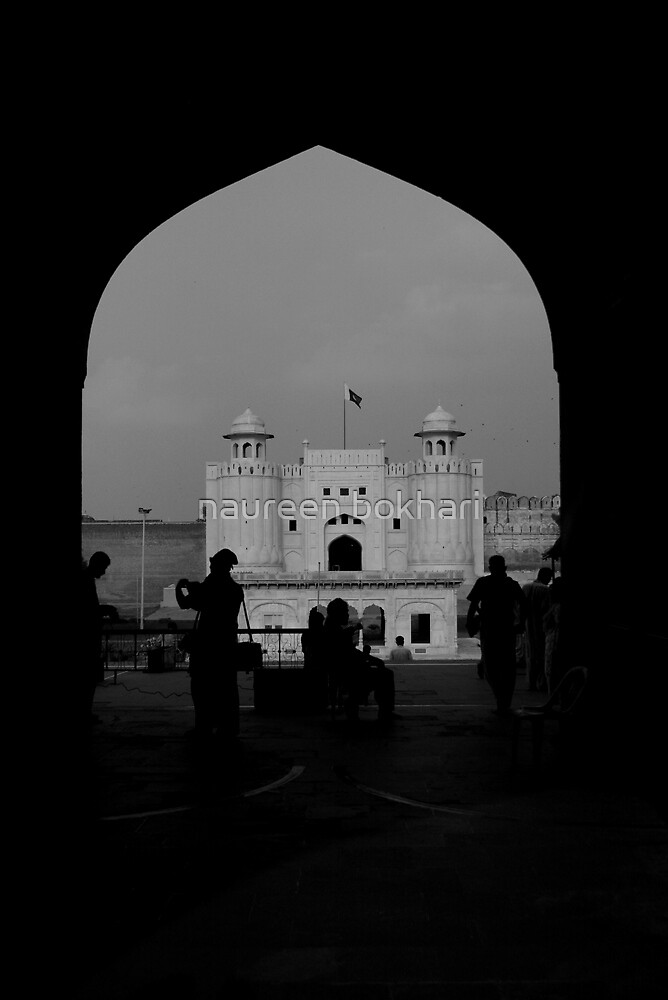 Lahore Fort seen through the arches of Badshahi Mosque by naureen bokhari
