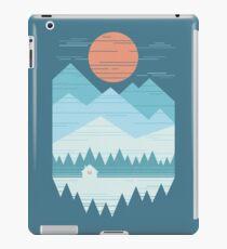 Kabine im Schnee iPad-Hülle & Klebefolie