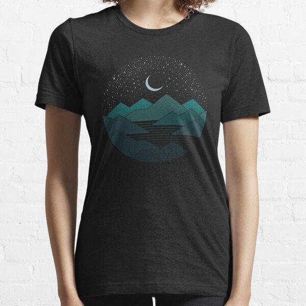 Entre las montañas y las estrellas Camiseta esencial