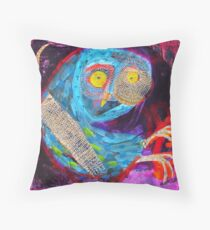 the eternal owl Throw Pillow