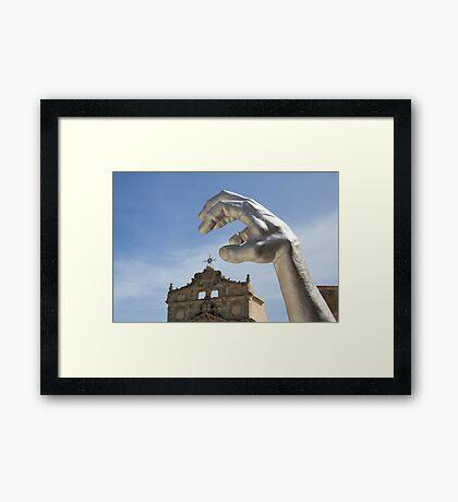 Statue Series - Arggghhhhh it's the hand! Framed Print