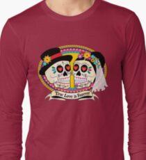 Los Novios (English) Long Sleeve T-Shirt