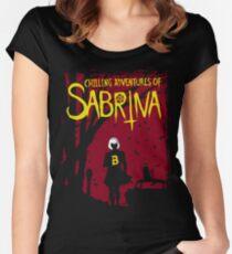 Kühle Abenteuer von Sabrina Tailliertes Rundhals-Shirt