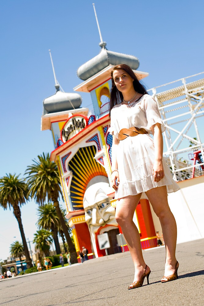 It will drive you Loonie - Luna Park! by Mark Elshout