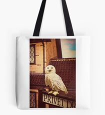 Hedwig on Privet Drive Sign Tote Bag