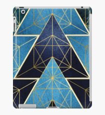 Geometrische Exzellenz in Blau iPad-Hülle & Klebefolie