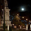 Quevedo and the Moon. Close View by Gerardo Sánchez