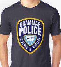 Grammatik-Polizeiabzeichen Slim Fit T-Shirt