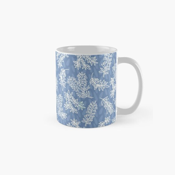 Blue and white chintz look pattern with aussie bottlebrush Classic Mug