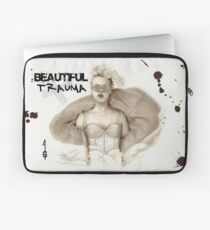 Beautiful Trauma Housse de laptop