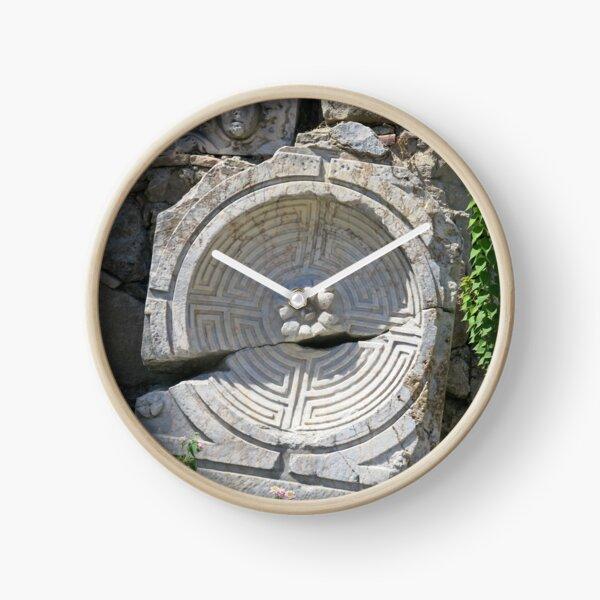 Labyrinth in Stone Clock