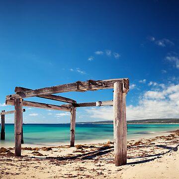 Hamelin Bay, Western Australia by levibuzolic