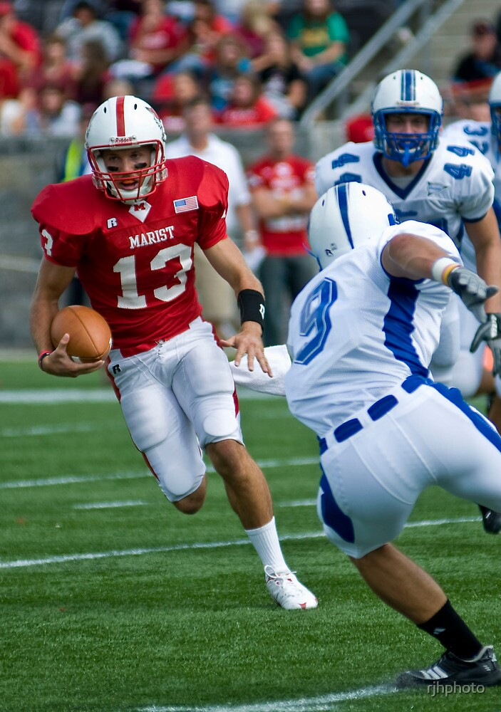 Scramble- Marist Quarterback Runs by rjhphoto