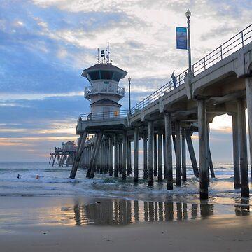 Huntington Beach Pier by DianaG
