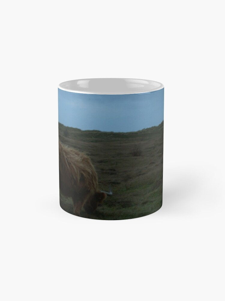 Alternate view of Highland-Cattle likes the storm Mugs