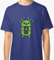 Camiseta clásica Robot Android enamorado con smartphone
