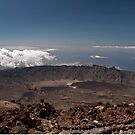 El Teide: Crater Above the Clouds by Kasia-D