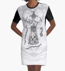 Göttin der Schlangen mit Katze.  T-Shirt Kleid