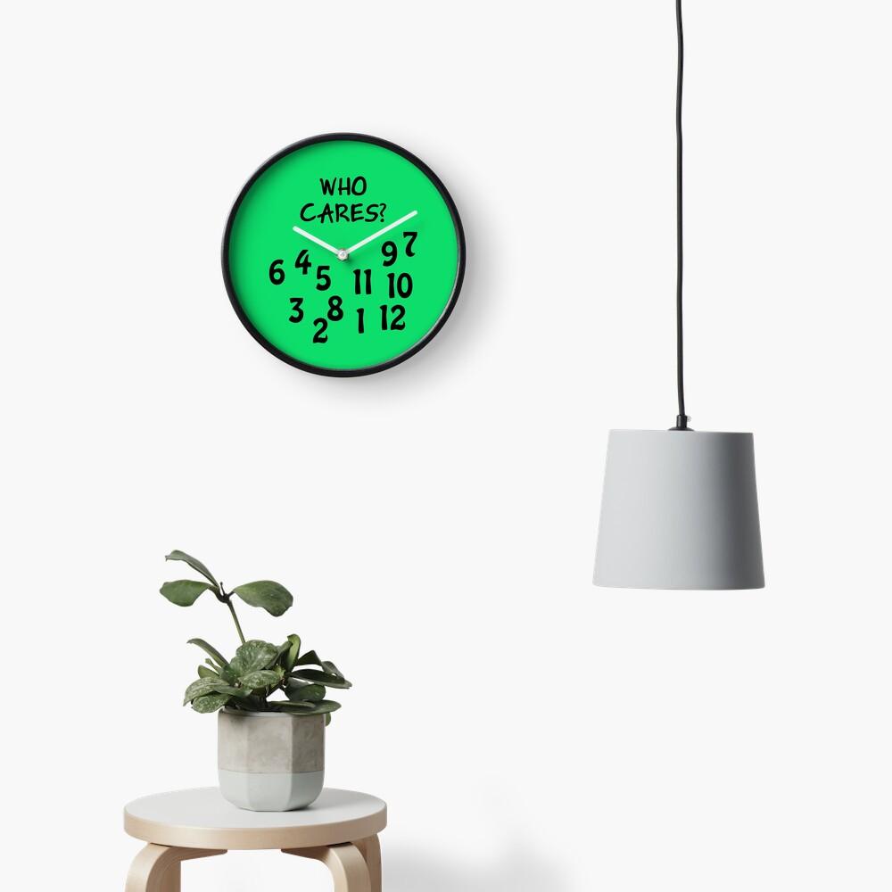 """Uhr """"Who cares"""" mit großem Zahlendurcheinander Uhr"""