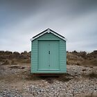 findhorn beach hut by codaimages
